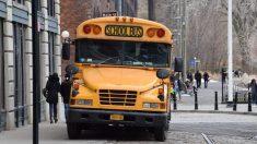 Chofer de autobús escolar ebria es detenida por estudiantes valientes