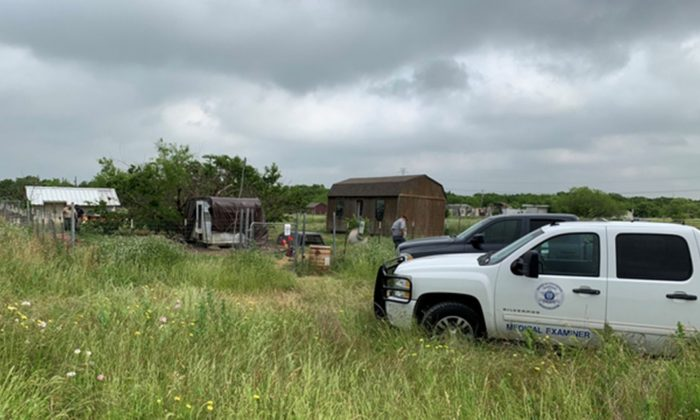 La policía pudo determinar que Freddie Mack fue devorado por sus propios perros después de descubrir un fragmento de hueso en su propiedad. (Oficina del Sheriff del Condado de Johnson)