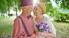 Se casa 50 años después de hacer una promesa a su chica y fallece a los pocos días