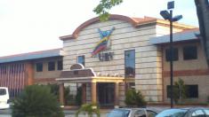 """""""Sistema Paralelo Universitario"""" en Venezuela busca implantar el modelo comunista, dice informe de ULA"""