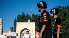China instala spyware en los teléfonos de los turistas que entran en Xinjiang