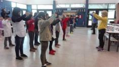 Estudiantes con serios problemas de conducta cambian después de practicar unos sencillos ejercicios