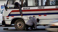 Joven peruana se fractura una vértebra cuando su autobús pasa por un bache y puede quedar paralítica