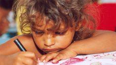 Extirpan raro tumor de 2 kg de la mandíbula de una niña brasileña de 3 años, mira cómo se ve ahora