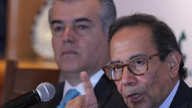 El presidente de Consejo Coordinador Empresarial (CCE), Carlos Salazar Lomelín, participa en una rueda de prensa este miércoles, en Ciudad de México (México). EFE/ Mario Guzmán