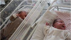 Madre da a luz a dos bebés sanos con solo 2,5 meses de diferencia en un raro caso de útero doble