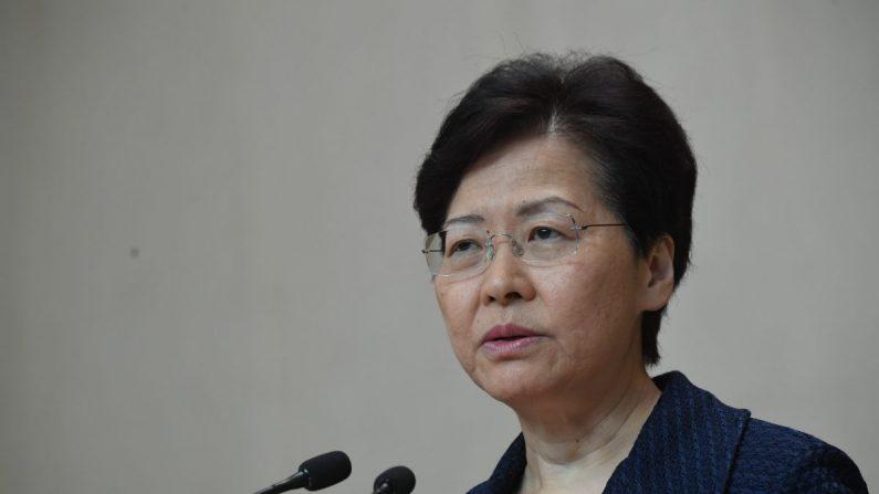 La directora ejecutiva de Hong Kong, Carrie Lam, habla en una conferencia de prensa en Hong Kong el 20 de agosto de 2019. (Lillian Suwanrumpha/AFP/Getty Images)