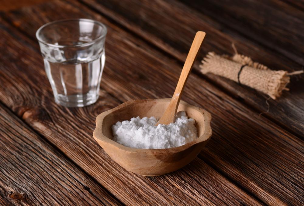bicarbonato de sodio, agua