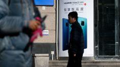 Niño muere electrocutado por usar su celular Huawei mientras lo cargaba (video)