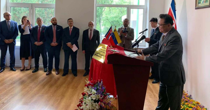Régimen de Venezuela inaugura sede diplomática en Pionyang. Foto de Embajada de Venezuela en China/Twitter.