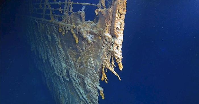 Una foto sin fecha puesta a disposición por Atlantic Productions el 22 de agosto de 2019 muestra la proa del barco Titanic, así como óxidos desprendidos bajo el ancla del Titanic, frente a la costa de Terranova, Canadá, en el Atlántico (emitida el 22 de agosto de 2019). EFE/EPA/ATLANTIC PRODUCTIONS