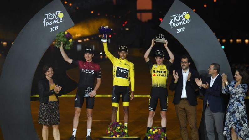 Egan Bernal en el podio del Tour de Francia. (STEPHANE MANTEY/ AFP/ Getty Images)