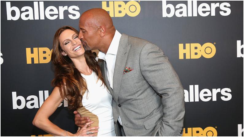 Dwayne Johnson y Lauren Hashian. (Aaron Davidson/Getty Images for HBO)