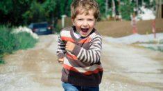 Niño argentino de 5 años vence el cáncer y la efusiva bienvenida de sus amigos al jardín es viral