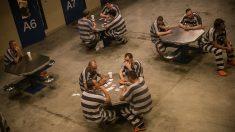 Liberan a un hombre tras 21 años de prisión cuando testigo del crimen admite que él es el asesino