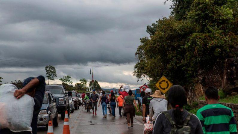Vista del cruce fronterizo entre Brasil y Venezuela en Pacaraima, estado de Roraima en Brasil, el 10 de mayo de 2019. (ANTONELLO VENERI / AFP/Getty Images)
