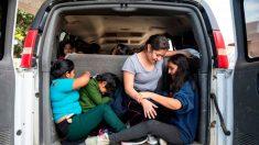 Interceptan a 142 migrantes que viajaban en autobús en el sureste de México