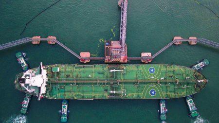 Compañía de energía china rechaza petróleo de Venezuela por sanciones de EE. UU.