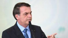 Bolsonaro insinúa que las ONG pueden estar detrás de incendios en Amazonía