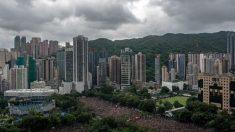 Manifestantes de Hong Kong responden este domingo a Beijing con una masiva protesta pacífica
