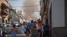 Incendio en Gran Canaria se expande sin control con llamas de 50 metros y obliga evacuar 40 poblaciones