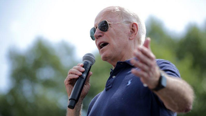El candidato presidencial demócrata y exvicepresidente Joe Biden pronuncia un discurso de campaña de 20 minutos en el Des Moines Register Political Soapbox en la Feria Estatal de Iowa el 08 de agosto de 2019 en Des Moines, Iowa. (Foto de Chip Somodevilla/Getty Images)