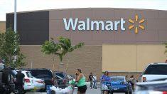 Joven provoca caos al entrar armado y con chaleco antibalas a una tienda de Walmart