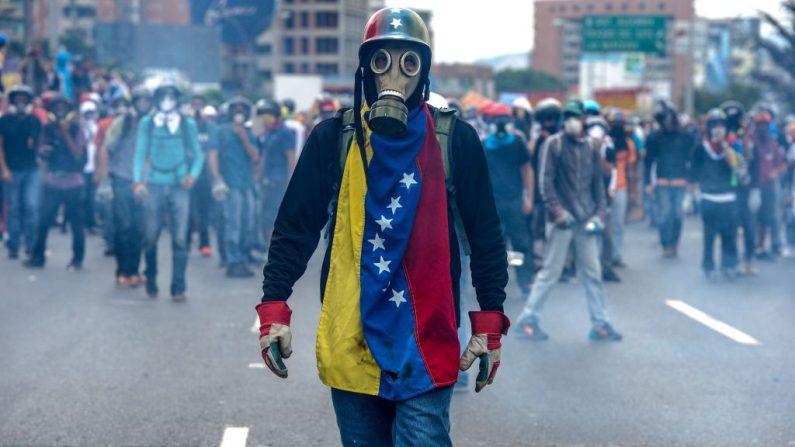 Protestas contra Nicolás Maduro, en Caracas el 8 de mayo de 2017. (FEDERICO PARRA/AFP/Getty Images)