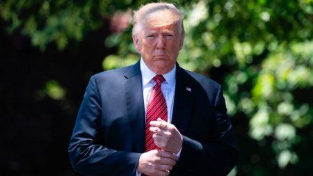 Trump pospone reunión con premier danesa por negarse a vender Groenlandia