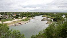 Proyecto privado construye su segundo tramo de muro fronterizo a lo largo del Río Grande