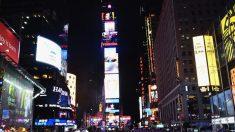 Multitud corre en pánico en Times Square al confundir ruidos de motocicletas con disparos (video)