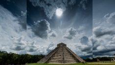 Qué hay detrás de los misteriosos rayos de luz que lanzan las pirámides al espacio