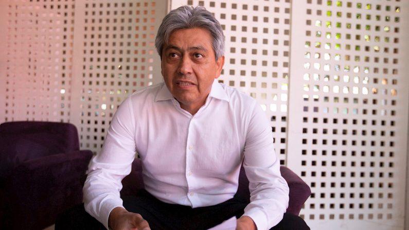El exgobernador boliviano Mario Cossío habla durante una entrevista con Efe, el 14 de agosto de 2019, en Brasilia (Brasil). EFE/ Joédson Alves