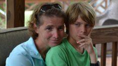 Encontrada criança desaparecida por anos em esconderijo improvável, sua mãe e avó eram cúmplices