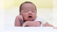 La divertida respuesta de este bebé al despertar captada en video ha fascinado a los internautas