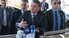 """Bolsonaro critica postura da imprensa """"Fazendo campanha contra o Brasil"""""""