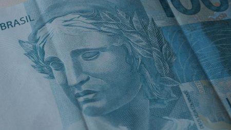 Com arrecadação de R$137,7 bilhões em julho, economia aponta sinais de recuperação