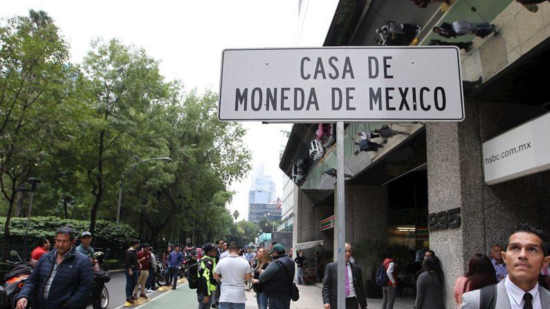 Vista de una señal de ubicación frente a la Casa de Moneda en el céntrico Paseo de la Reforma de la Ciudad de México (México). EFE/Mario Guzmán