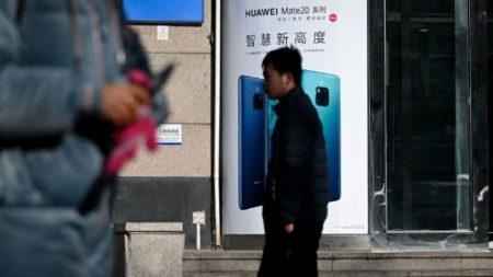 Menino morre eletrocutado ao usar seu celular Huawei durante carregamento (Vídeo)