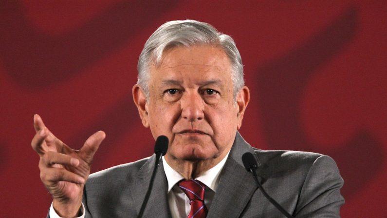 El presidente de México, Andrés Manuel López Obrador, habla durante su rueda de prensa matutina el 21 de agosto de 2019, en el Palacio Nacional, en Ciudad de México (México). EFE/ Mario Guzmán