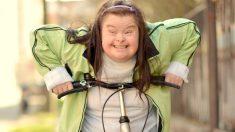 """La llamaron """"monstruo"""" por tener síndrome de Down, ahora es maestra de jardín de niños en Argentina"""