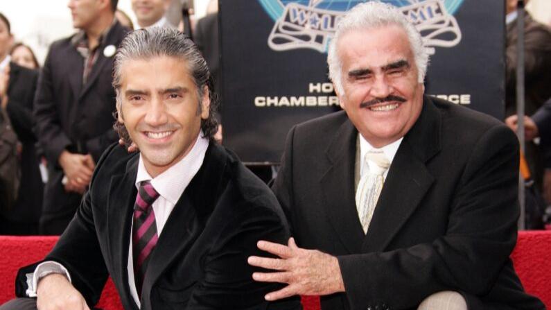 Alejandro Fernández y  Don Chente. (Créditos: Sean Gallup/Getty Images)