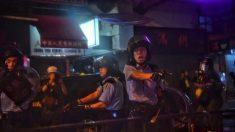 Imagen viral de manifestante desarmado frente a policía armado se compara con la del 'hombre tanque' de Tiananmen