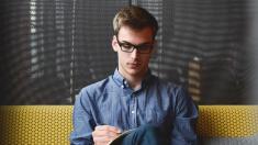 Reduzca los efectos del estrés y la ansiedad escribiendo sus preocupaciones