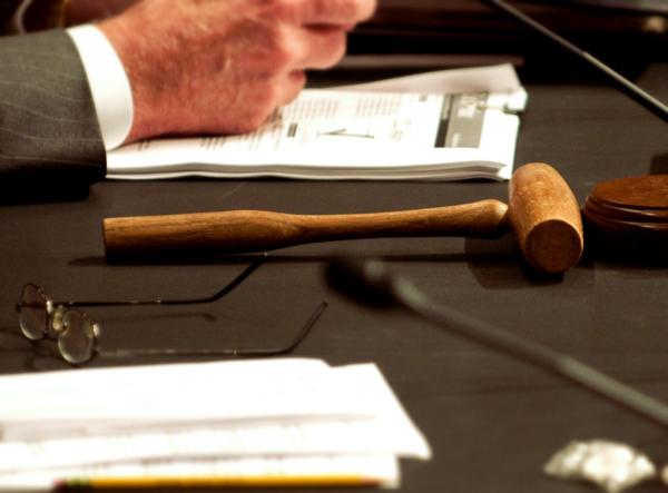 Un martillo sobre una mesa en una foto de archivo. (Rod Lamkey/AFP/Getty Images)