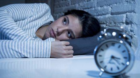 """Despertarse alrededor de las 4 de la madrugada puede significar un """"despertar espiritual"""""""