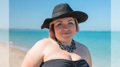 """Mamá con sobrepeso deja atrás los prejuicios y se toma fotos en la playa: """"Por fin soy libre"""""""