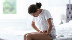Mujer convencida de que sufría cálculos renales da a luz a trillizos