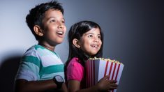 Niños mexicanos no podían ir al cine, ahora con solo pedalear pueden ver sus películas favoritas