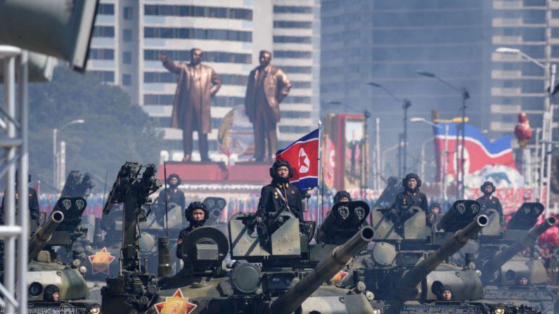 TOPSHOT - Exército do Povo da Coreia (KPA) participa de uma parada militar na praça Kim Il Sung, em Pyongyang, em 9 de setembro de 2018 (Foto: Ed JONES / AFP) (Crédito da foto deve ser lido ED JONES / AFP / Getty Images)